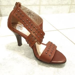 Women sandals by Sofft size 7M leather